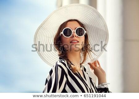 nő · visel · kalap · kéz · divat · forró - stock fotó © photography33
