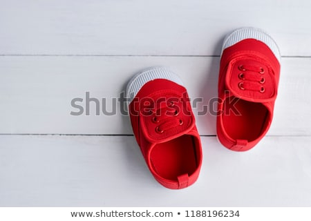 Bebek kırmızı ayakkabı beyaz yalıtılmış Retro Stok fotoğraf © pzaxe