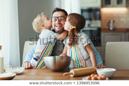 Stock fotó: Apa · lánygyermek · desszert · család · férfi · konyha