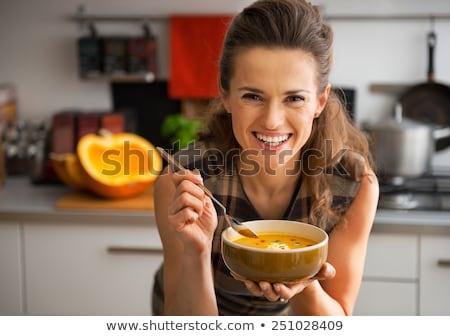 Donna sorridente mangiare piatto alimentare donna frutta Foto d'archivio © IS2