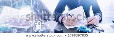 Geschäftsmann Unterzeichnung Auto Versicherung Politik Bevollmächtigter Stock foto © Freedomz