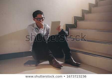 Deluso giovane seduta intervista giovani imprenditrice Foto d'archivio © AndreyPopov