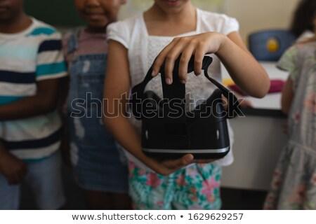 школьница виртуальный реальность гарнитура Сток-фото © wavebreak_media