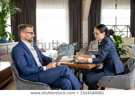 Iki arkadaşları çalışma anlar toplantı Stok fotoğraf © pressmaster
