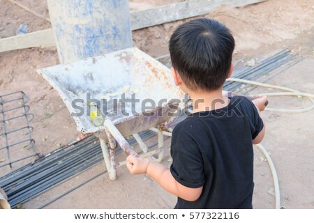 Melhoramento da casa menino carrinho sessão carrinho de compras ver Foto stock © 805promo
