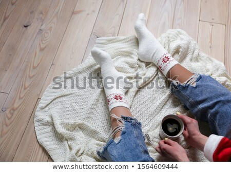 ストックフォト: 女性 · 脚 · 編まれた · 靴下 · 白 · 孤立した