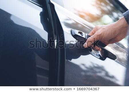 férfi · kéz · nyitás · autó · ajtó · közelkép - stock fotó © hamik