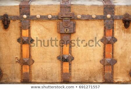 Starych uszkodzony piersi obiektu odizolowany Zdjęcia stock © taviphoto