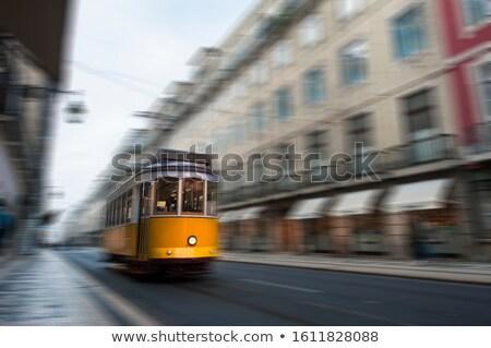 Lisboa tranvía movimiento famoso noche Portugal Foto stock © joyr