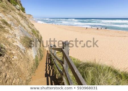 Lépcső lépcsősor vezető lefelé tengerpart tizenkettő Stock fotó © dirkr