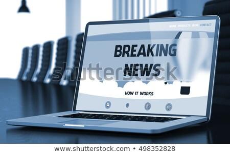 Rendkívüli hírek laptop tárgyalóterem 3D közelkép leszállás Stock fotó © tashatuvango