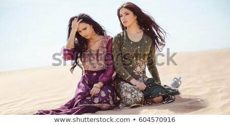 Sedento mulheres deserto perdido sede Foto stock © artfotodima