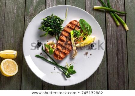 カプレーゼサラダ · テーブルクロス · 表示 · 表 · カプレーゼ · プレート - ストックフォト © colematt