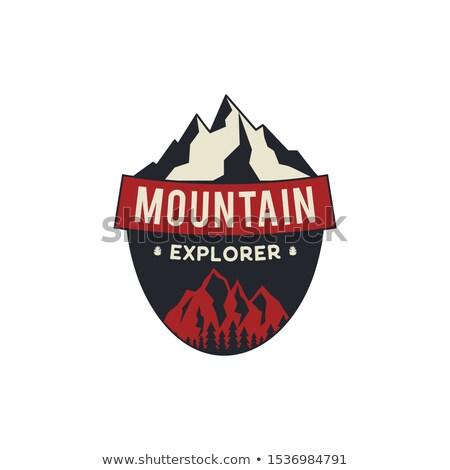 山 探險者 徽章 露營 冒險 徽 商業照片 © JeksonGraphics
