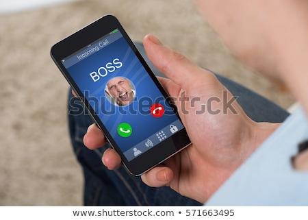 persoon · hand · mobiele · telefoon · bureau - stockfoto © andreypopov