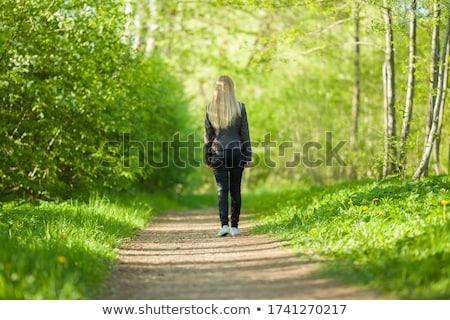 Tini szabadidő sétál park nyár tinédzser Stock fotó © robuart