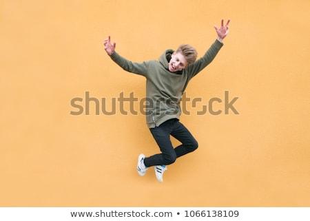 energikus · tinédzser · csinos · klubber · tánc · barátok - stock fotó © stockyimages
