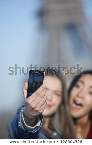 elegancki · młoda · kobieta · Fotografia · komórka · kamery - zdjęcia stock © photography33