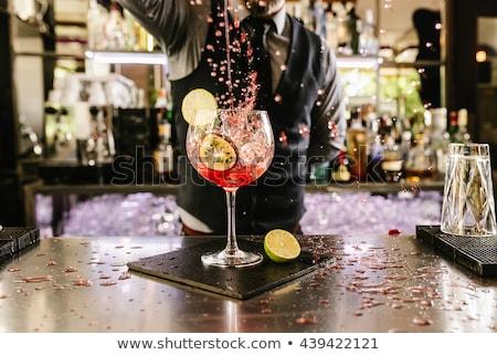 Kokteyl akşam içmek az gözlük kırmızı Stok fotoğraf © cosma