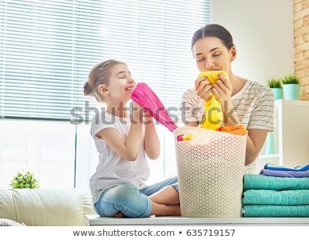 Criança menina máquina de lavar roupa ilustração little girl indicação Foto stock © lenm