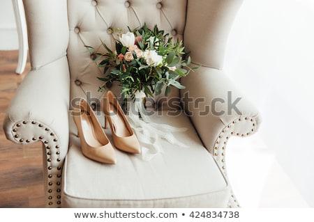 rosa · cadeira · verde · parede · interior · cena - foto stock © ruslanshramko