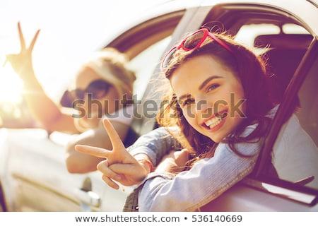 Boldog tinilányok nők autó vízpart nyári vakáció Stock fotó © dolgachov