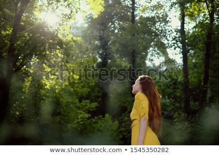 jonge · vrouw · schadelijk · stralen · vrouw · meisje · glimlach - stockfoto © diego_cervo