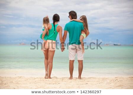 背面図 美しい 家族 2 エキゾチック ビーチ ストックフォト © travnikovstudio