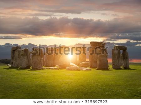 Stonehenge · híres · titokzatos · Anglia · égbolt · felhők - stock fotó © dutourdumonde