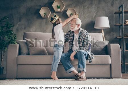 Fată bunic familie lux joc prinţesă Imagine de stoc © IS2