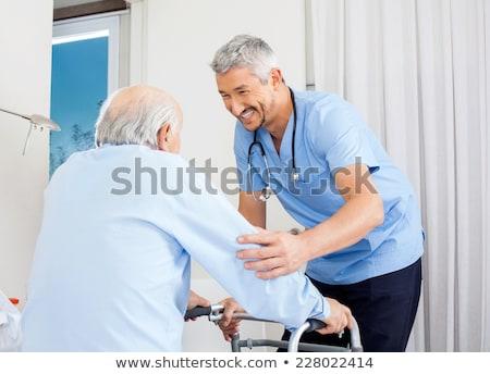 bicie · serca · nadgarstek · pielęgniarki · starszy · kobieta - zdjęcia stock © andreypopov