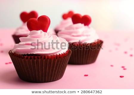 Közelkép piros édesség valentin nap minitorták vajkrém Stock fotó © dolgachov