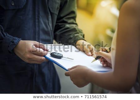 Persoon kopen ondertekening contract papier Stockfoto © AndreyPopov