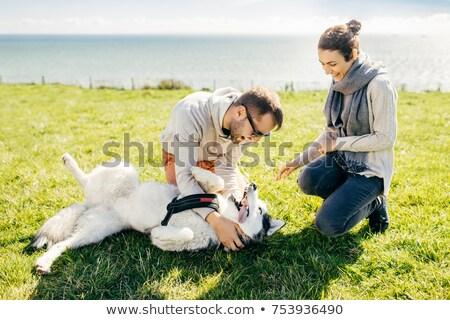 Gelukkig opgewonden vrouwelijke man samen natuur Stockfoto © vkstudio