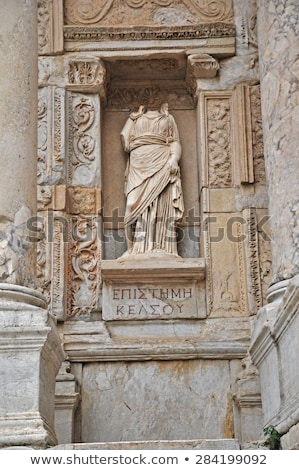 Headless statue of virgin Stock photo © Marcogovel