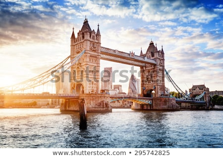 Londen Tower Bridge schemering Engeland brug Blauw Stockfoto © vichie81