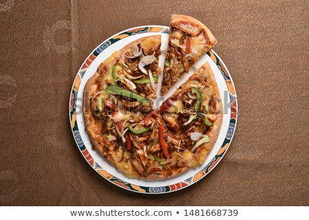 Thai pizza légumes salade alimentaire table Photo stock © brebca