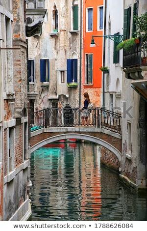 ゴンドラ · 小 · 運河 · ヴェネツィア · イタリア · 伝統的な - ストックフォト © andreypopov