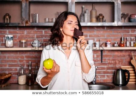 Zoete vruchten hunkering jonge brunette aardbei Stockfoto © lithian