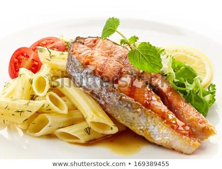 焼き 鮭 パスタ サラダ プレート 魚 ストックフォト © jirivondrous