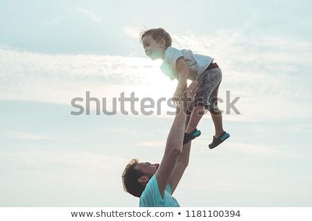 baba · çocuk · yukarı · hava · plaj - stok fotoğraf © photocreo