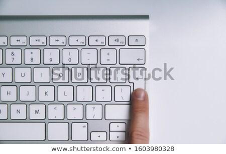 Krediet persoon klikken toetsenbord knop Rood Stockfoto © tashatuvango