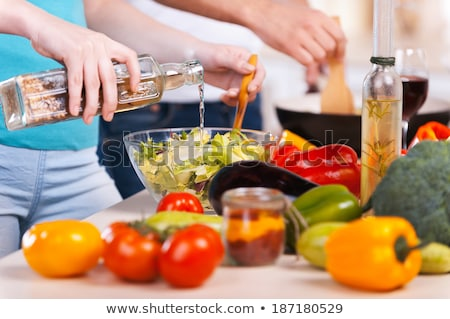 Dos mujer ensalada vinagre alimentos sonriendo Foto stock © IS2