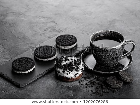 siyah · kahve · fincan · fincan · tabağı · tatlı · çörek · siyah · kurabiye - stok fotoğraf © denismart