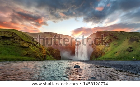 Zomer landschap rivier IJsland waterval Europa Stockfoto © Kotenko