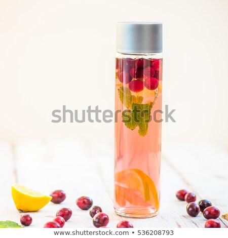 água garrafas gengibre limão de Foto stock © Illia