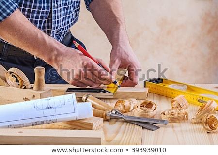 Carpinteiro trabalhando cinzel martelo oficina Foto stock © olira