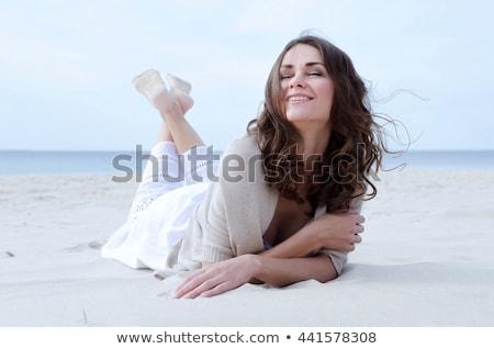 morena · vestido · jóvenes · hermosa · caucásico - foto stock © feedough