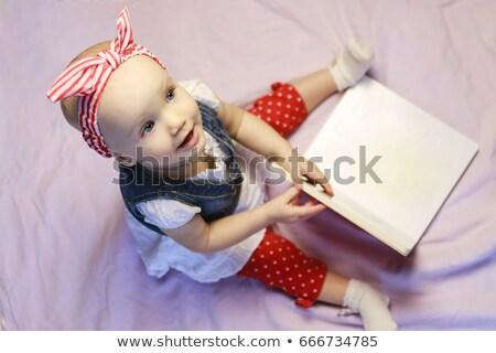肖像 · 愛らしい · 座って · アップ · 着用 - ストックフォト © stockyimages