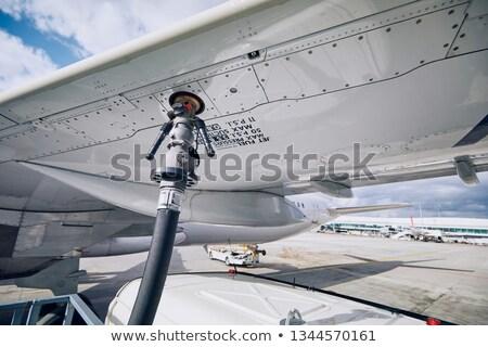 Twee vechter bewegende brandstof vliegtuig hemel Stockfoto © Gordo25